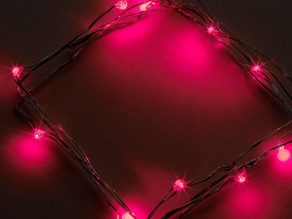 Gaismas virtene Airam LED 20 sarkana 1.9m sudraba vads 3xAA