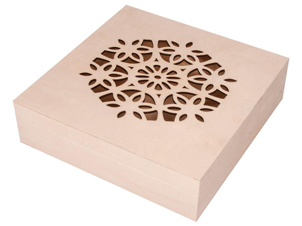 Medinė dėžutė Rayher su dekoratyviu dangteliu 18.5x18.5x5cm su vyriais